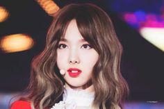dedicated to female kpop idols. Twice Jyp, Twice Once, South Korean Girls, Korean Girl Groups, K Pop Idol, Korean K Pop, Nayeon Twice, Im Nayeon, Asian Hair