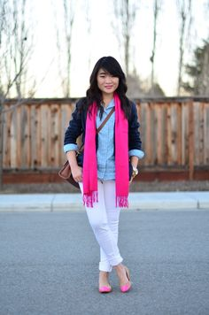 A Gap blazer as featured on the blog Daily Disguise.