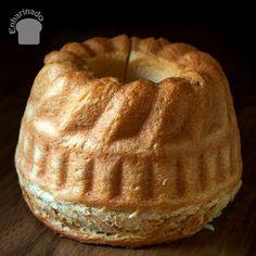 El pan dulce Kugelhupf es elaborado con harina y enriquecido con mantequilla, huevos y leche, y luego es horneado en un molde con su forma especial.