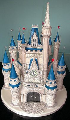 Cake Wrecks - Home - Sunday Sweets: Disney Castle cake by Cakes By Lynette Gorgeous Cakes, Pretty Cakes, Cute Cakes, Amazing Cakes, Crazy Cakes, Fancy Cakes, Pink Cakes, Disney Castle Cake, Disney Cakes