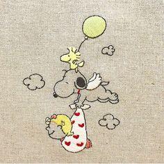* 10月に誕生予定の姪っ子ちゃんのお祝いにとオーダーいただきました。 お名前が決まったら風船にお名前を入れます * 偶然ですが、昨日甥っ子が産まれたのでとても嬉しいオーダーになりました♡ * * #snoopy #peanuts #woodstock #handembroidery #embroidery #スヌーピー #ピーナッツ #ウッドストック #刺繍 Snoopy Toys, Baby Snoopy, Cross Stitch Embroidery, Hand Embroidery, Embroidery Designs, Peanuts Cartoon, Peanuts Snoopy, Mushroom Drawing, Charlie Brown And Snoopy
