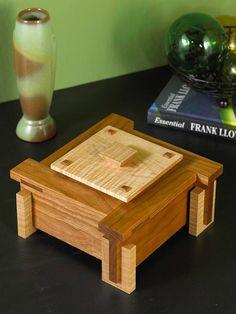 Architectural Keepsake Box Woodworking Plan from WOOD Magazine Unique Woodworking, Woodworking Box, Woodworking Patterns, Woodworking Projects Plans, Woodworking Videos, Small Wood Projects, Diy Projects, Wood Trellis, Wood Magazine