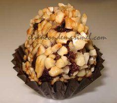Ferrero Rocher de morcilla Finger Food Appetizers, Mini Foods, Ferrero Rocher, Kiwi, Catering, Muffin, Cheese, Snacks, Cooking