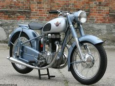 German Motorcycle Firm in Bad Homburg Established 1923 Antique Motorcycles, American Motorcycles, Classic Motors, Classic Bikes, Scooters, Gas Powered Bicycle, Moto Collection, Touring Bicycles, Bike Poster