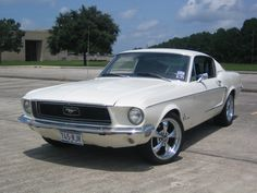 yes,,, i had a brand new whiet one like this and pregnant with honey and trying to learn ohow to drive in down the highways in mississippi,,,,,,yes.1968 Ford Mustang Fastback