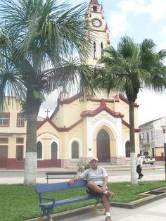 Plaza de Armas de Iquitos, un calido lugar en la selva del Peru.
