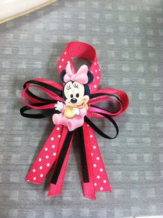 Minnie Mouse baby shower guest pins & Princess baby shower pins on Etsy, $15.00
