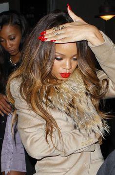 Rihanna's Nail Styles, Nail Polish and Nail Gallery Rihanna Show, Rihanna Photos, Rihanna Riri, Rihanna Style, Rihanna Red Lipstick, Rihanna Outfits, Red Nails, Hair And Nails, Nail Manicure