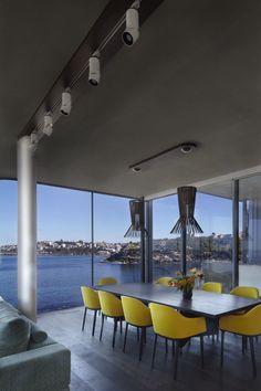 Clovelly House by Rolf Ockert Design
