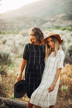 THE SUMMER GRID DRESS IN BLACK// DRESSES// WOMENS CLOTHING// DRESSES CASUAL