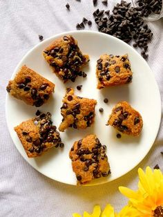 Quick Dessert Recipes, Easy Desserts, Chocolate Chip Cookie Bars, Chocolate Chips, Chewies Recipe, Enjoy Summer, Vegetarian Chocolate, Brownies, Waffles