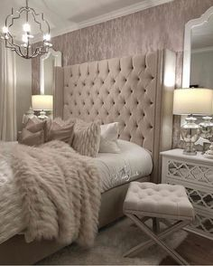 Searching For Home Decorating Tips? Check Out These Tips! Whether you rent an apartment or own your home, few things are more exciting and inspirational than a perfectly executed interior decorating project. Master Suite Bedroom, Small Room Bedroom, Bedroom Furniture, Bedroom Decor, Furniture Market, Bedroom Inspo, Bedroom Inspiration, Furniture Ideas, Bedroom Ideas