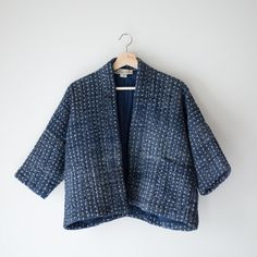 Fabric and Colours Hand embroidered cropped kimono jacket. Diy Fashion, Fashion Outfits, Modern Kimono, Short Kimono, Kimono Jacket, Minimal Fashion, Quilted Jacket, Handmade Clothes, Trousers Women