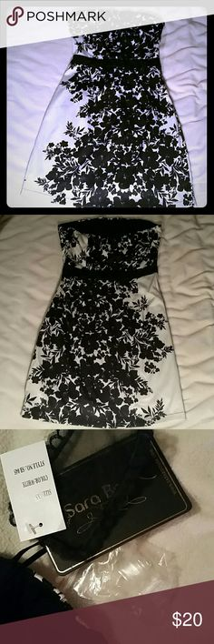 PRICE DROP MUST GO Black and white strapless dress Sara Boo brand strapless dress. Size XS, comes with the clear straps which could be added but it has a rubbery strip at the top which makes it stay on really well. No major flaws. My closet has many different sizes available. Dresses Strapless