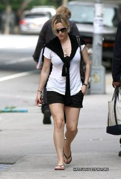 Kate Winslet Street Style   from KateWinsletFan.org