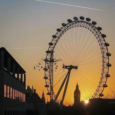 London : Landmarks at Sunset --------------------------------------------------------------------- #neilvslondon #londondecanted #cityofcities #igerslondon #shutup_london #super_holland #thisislondon #timeoutlondon #huffpostgram #hq_uk #toplondonphoto #visitlondon #wundrouslondon #mydarlinglondon #londoncollective #londoncalling #unlimitedlondon #just_FEATURES #ldn4all_fortunecookie #canong7x