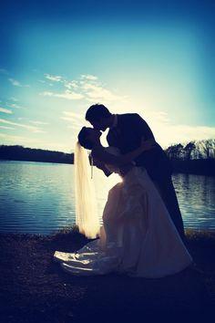 The lighting is perfect! Photo by Elijah. #WeddingPhotographyMinnesota #WeddingPhotography