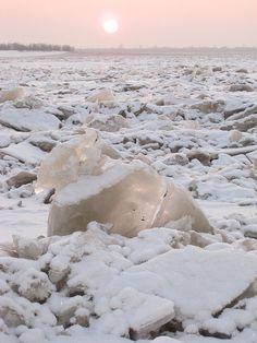 Russia, Far East, Khabarovsk, Sunset on Amur River, 21-27/12/2007
