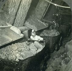 Stereoview Photo Michigan Copper Rock Calumet-Hecla Mines Underground Ore Cars