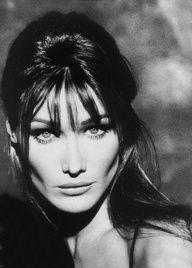 Carla Bruni / classic.