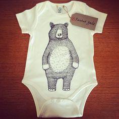 Belle bio sérigraphié à la main bébé par RachelGaleDraws sur Etsy