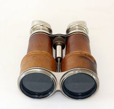 I adore vintage binoculars. Mostly for the way they look, I don't care about using them.