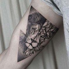 about Geometric lion tattoo on Pinterest | Geometric lion Geometric ...