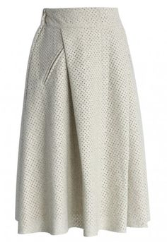 - Eyelet cutout all over - Half elastic waist band - Decorated slant pockets - Full lined - 75% Polyester, 25% Cotton - Hand wash Size(cm) Length Waist S 66 70 M 66 74 Size(inch)Length Waist S 26 27.5 M 26 29 * S fits for US 4, UK 8, EU36 * M fits for US 6, UK 10, EU38