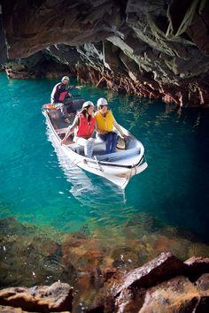 浄土ヶ浜マリンハウス - 青の洞窟(さっぱ船遊覧)