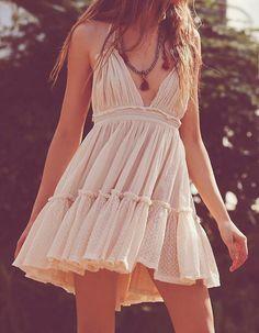 V-neck Backless Pleated Dress - Beige/Black/White