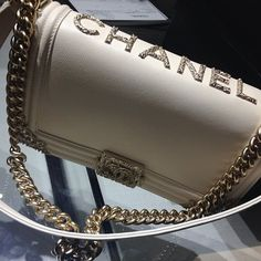 "Chanel : I absolutely LOVE Chanel anything! I believe this bag would be a lot more elegant without the ""CHANEL"" on top! I am a huge believer in ""Less is More""! Chanel Handbags, Fashion Handbags, Purses And Handbags, Fashion Bags, Burberry Handbags, Coach Handbags, Coco Chanel, Chanel Boy Bag, Chanel Bags"