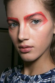 All of the Best Eye Makeup Looks From the Spring 2016 Runway Shows - bold red eyeshadow