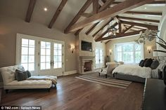 kim kanye new house hidden hills | to Kim Kardashian and Kanye West's former planned-to-be Bel-Air home ...