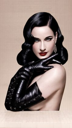 Many people believe that there is a magical formula for home decoration. You do things… Dita Von Teese Burlesque, Dita Von Teese Style, Burlesque Hair, Dita Von Tease, Idda Van Munster, Pin Up Poses, Photoshoot Concept, Belle Lingerie, Lacy Lingerie