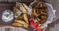 Quick Greek chicken gyro by Greek chef Akis Petretzikis. The most popular Greek recipe! A quick and easy recipe to make Greek chicken gyro souvlaki at home! Chicken Gyro Recipe, Chicken Gyros, Chicken Recipes, Turkey Recipes, Greek Recipes, Paleo Recipes, Cooking Recipes, Quesadillas, Burger Kitchen