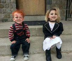 Chucky y su novia, encuentra más divertidas opciones en disfraces para este Halloween aquí http://www.1001consejos.com/disfraces-para-gemelos/