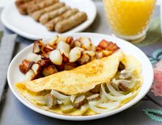 Sweet pears and savory onions are sautéed and combined with all-natural chicken sausage in this sophisticated and unexpected take on a breakfast classic. Breakfast Sausage Links, Egg Recipes For Breakfast, Brunch Recipes, Free Breakfast, Pear Recipes, Onion Recipes, Paleo Recipes, Onion Chicken, Chicken Sausage