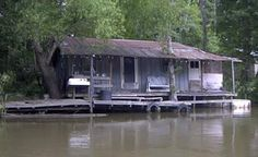 02c77c289950185051e6ce18a67eff69--unusual-houses-river-house.jpg (342×209)