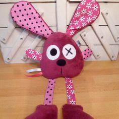 Doudou králík fuchsie růžový - květiny hrášek