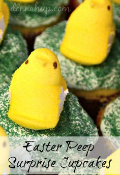 We love making these Easter Peep Surprise Cupcakes for our family gatherings. Food Decoration, Decorations, Easter Peeps, Family Gatherings, Soup And Sandwich, Easter Recipes, Cakes And More, Easter Crafts, Holiday Ideas