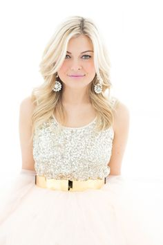 Love these shots! Can you tell I'm on a sequin kick? Beautiful tank for spring!