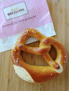 Introducing two of my favourite Breze found in Munich bakeries - both delicious but very different Bavarian breads! Bavarian Pretzel, Munich, Bagel, Drink, Eat, Food, Wedding, Beverage, Essen