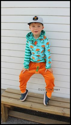 Mr Croc hoodie and velour harem pants sewn by Tikkitaivas http://en.nosh.fi/product/1093/croco-turquoise-01m