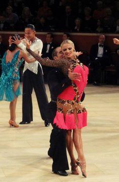 dfransparkles:  rydancefan:  2013 Internationals  Dress. Love.