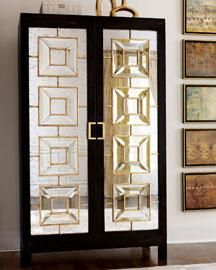 My favorite aspect of art deco-style home decor has to be the ultra-glam mirrored furnishings. Arte Art Deco, Estilo Art Deco, Art Deco Stil, Art Deco Home, Mirrored Furniture, Art Deco Furniture, Metallic Furniture, Cabinet Furniture, Furniture Online