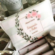 Kit toilette dos queridos noivos Fernanda e Pedro que comemoraram suas Bodas de Rosas 🌹🍃💓  #noiva #bride #casamento #wedding #identidadevisual #convitedecasamento #weddingstationery #stationery #fashion #watercolor #weddinginvitation #finepaper #bridetobe #custommade #handmade #yukifujitabrasil