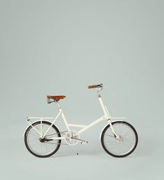 white bike-- I really want a bike???? Don't know why but seems like a fun thing to do