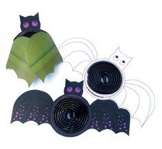 Halloween: verander een dropveter in een vleermuis! (traktatie) » Homemade Happiness - Knutsel zelf de leukste kinderfeestjes! Kant en klare KnipBoeken en printbare knipvellen