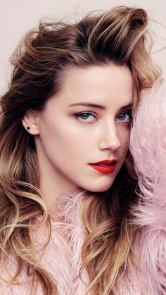 Gorgeous Amber Heard Ultra HD Mobile Wallpaper The Effective Pictures We Offer You About Beautiful Celebrities quizes A quality Beautiful Celebrities, Beautiful Actresses, Amber Heard Hot, Amber Heard Style, Blond, Beautiful Eyes, Beautiful Women, Amber Head, Soft Make-up