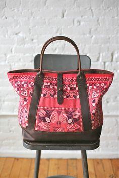 Vintage bandana overnight bag from Forestbound Vintage Bandana, Spring Bags, Types Of Bag, Handmade Handbags, Handbag Accessories, Timeless Fashion, Fashion Bags, Purses And Bags, Diaper Bag
